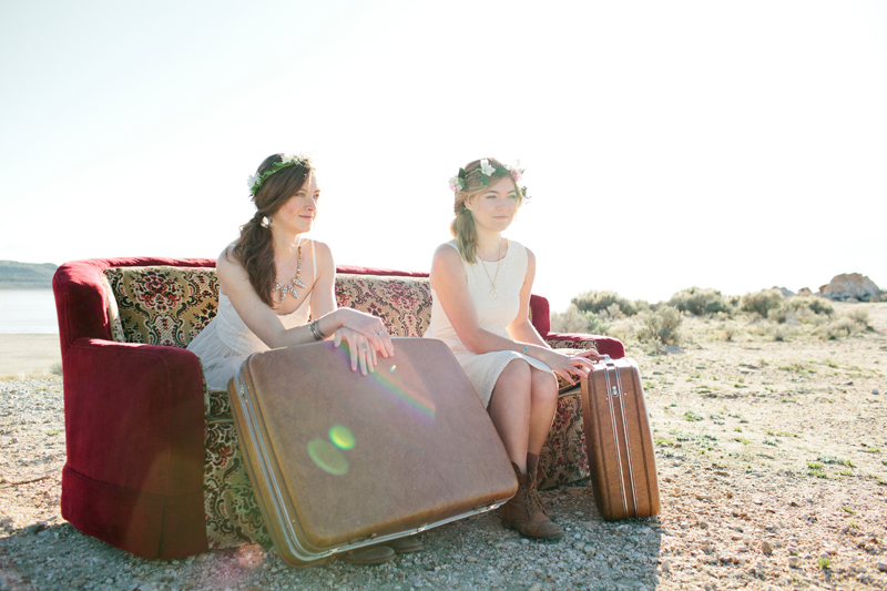 sisters-beautiful-senior-bohemian-vintage-model